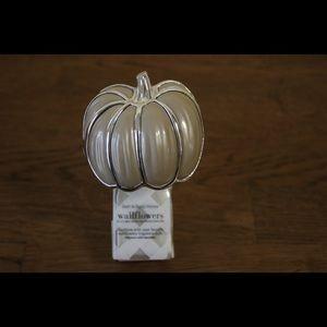 Bath & Body Works Pumpkin Wallflower Plug